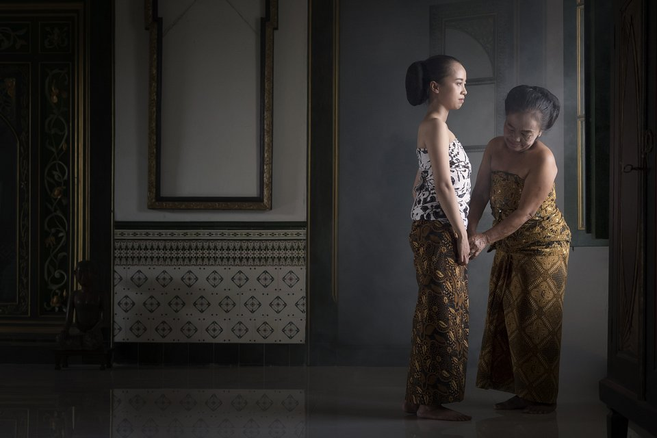 Using Javanese clothes- The Best Photos of Women