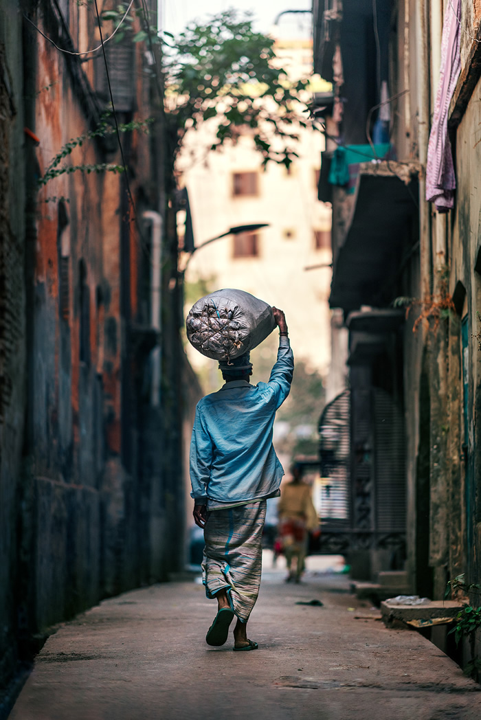 Beauty Amidst Chaos: From The Streets Of Dhaka Ashraful Arefin