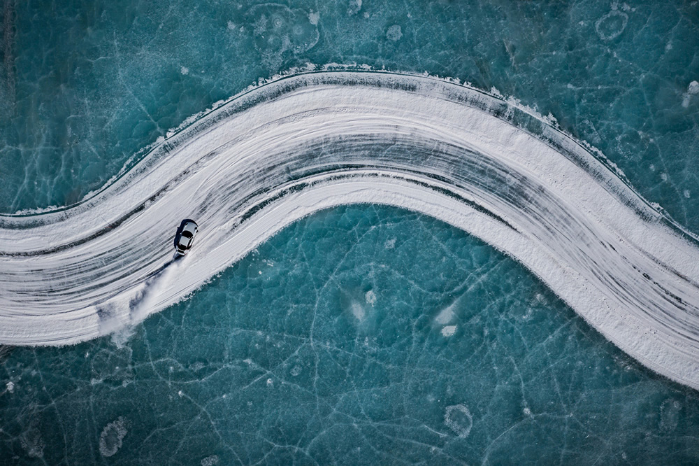 Porsche Ice Experience: Photographer Kai Hartmann Stunningly Captured in Northern China, Inner Mongolia