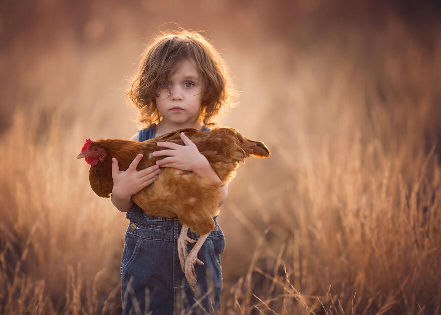 Lisa Holloway Kids Photography With Farm Animals
