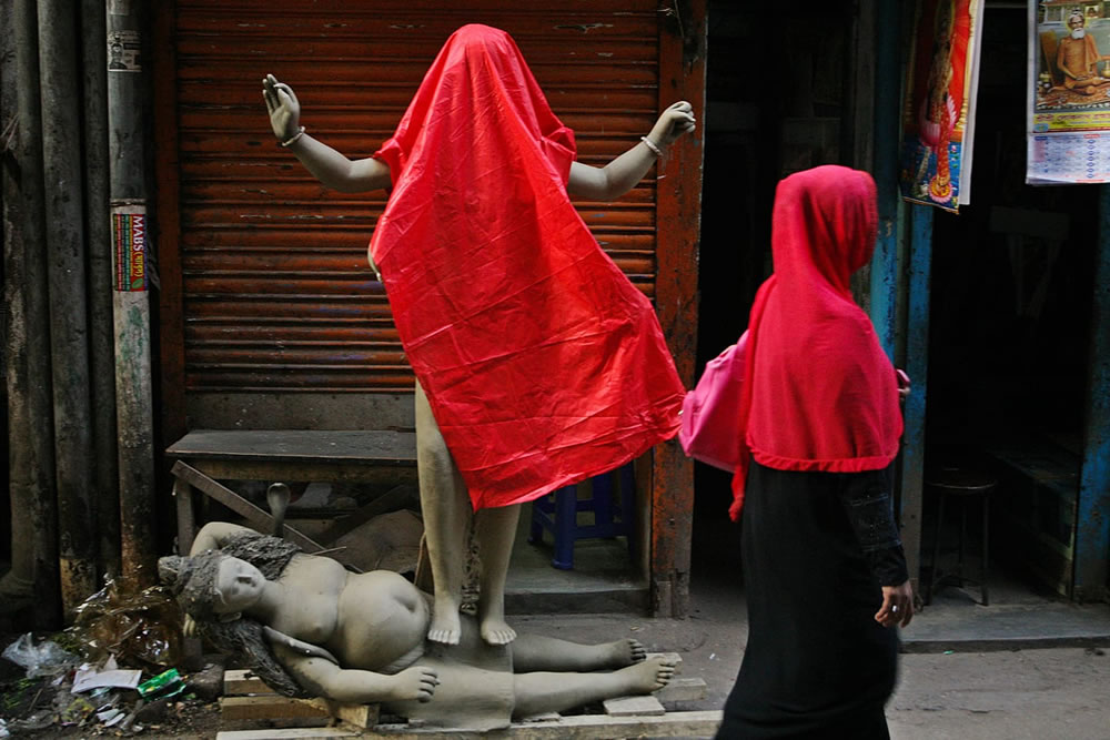 Red: Color Street Photography Series By Thahnan Ferdous