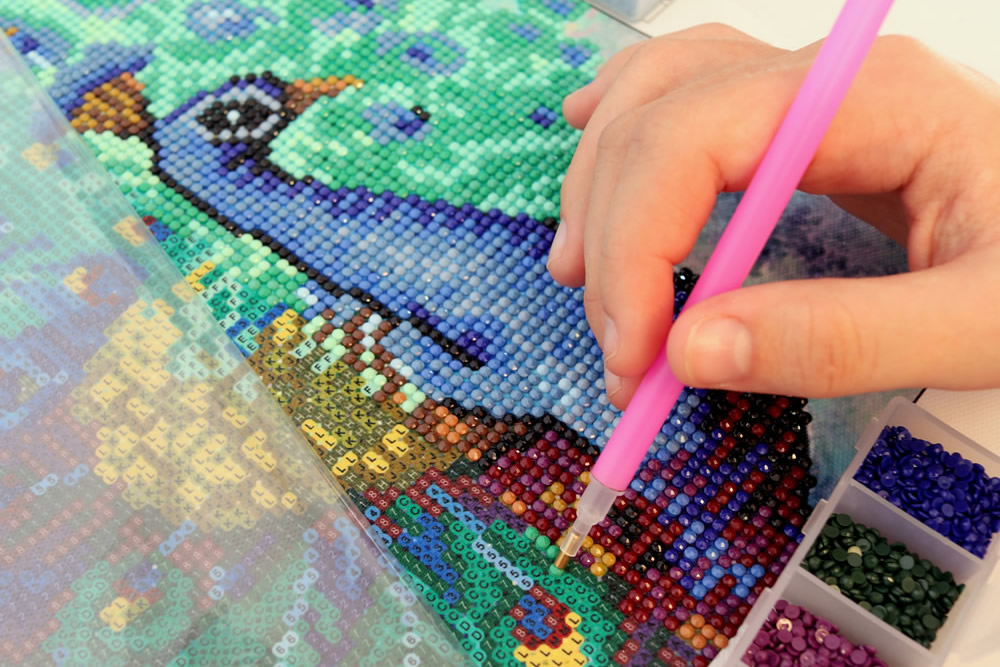 Diamond Painting: A Lovely Blend Between Mosaic Art And Paint By Numbers